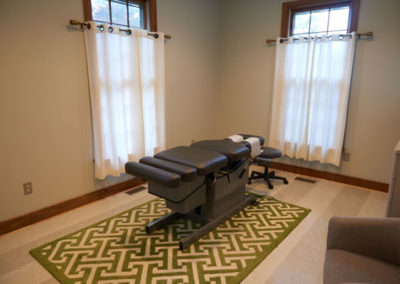 oak city chiropractic exam room
